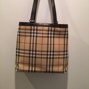 Burberry Bags - Burberry Bucket Tote